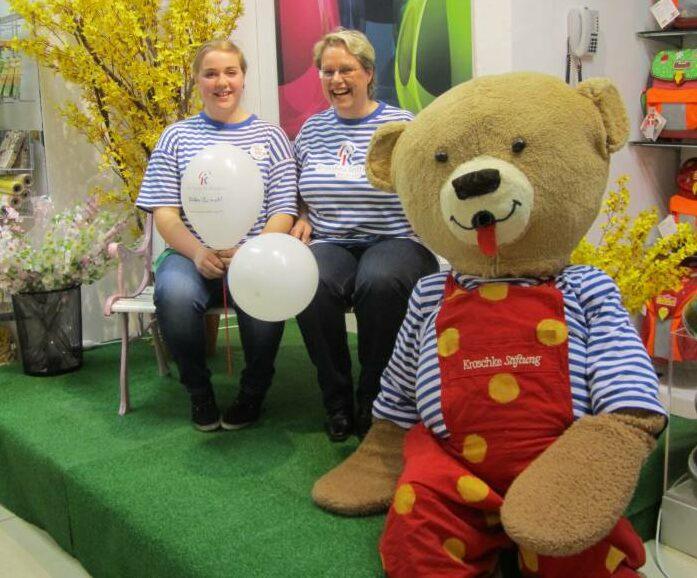Freundeskreis - Aktionstag im Kaufhof mit Bärtram