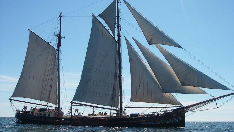 Segelschiff Fortuna unter Segeln