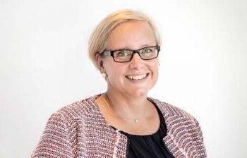 Anja Wenk, Geschäftsführerin Büro Ahrensburg - Kindern helfen durch die Kroschke Kinderstiftung